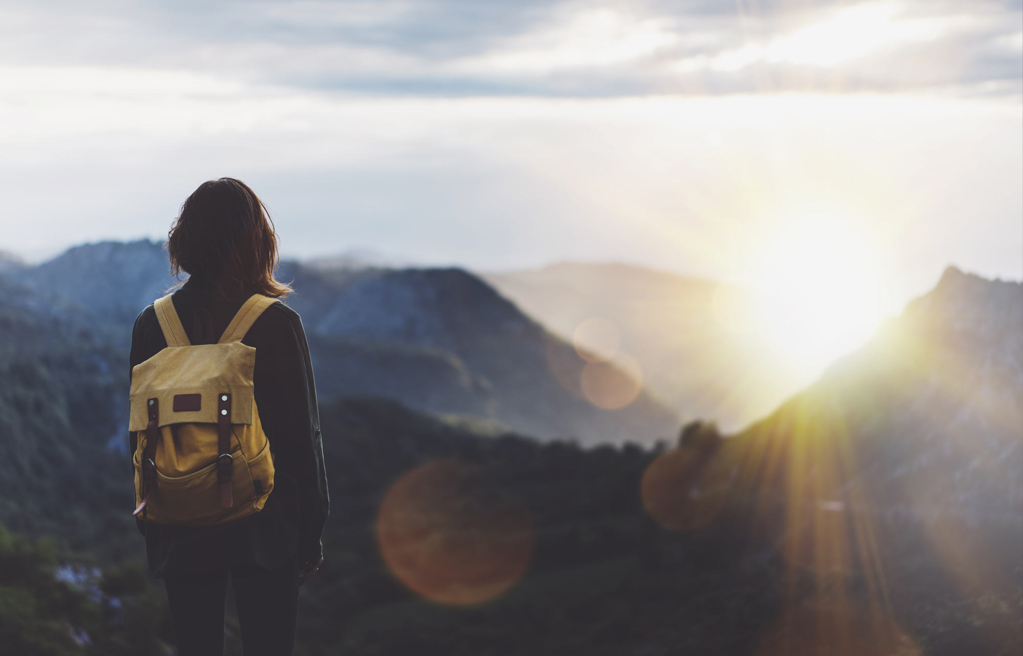Girl-Backpack-Sun-Rise